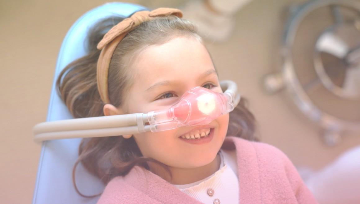 Lachgas-Behandlung in der Kinderzahnarztpraxis Roloff & Quick in Hamburg-Altona